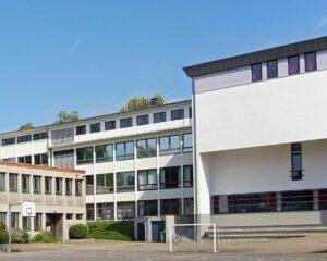 Gebäude Schulhof Kreisverkehr